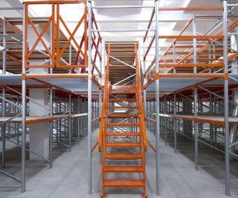 Advantages of Adjustable Pallet Racking